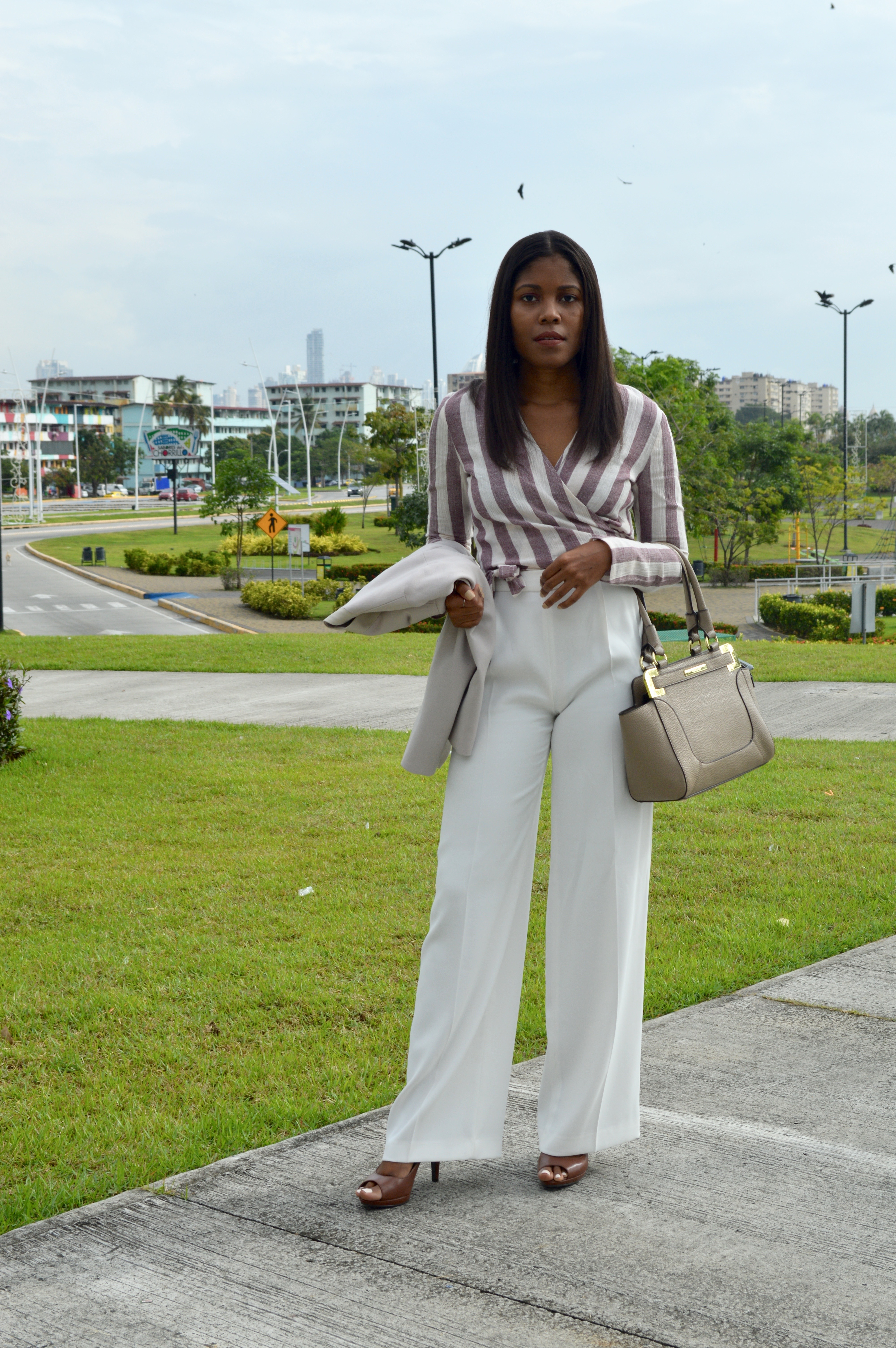 5 most Versatile Business Casual Pieces - Tropical Edge (featured)_0037